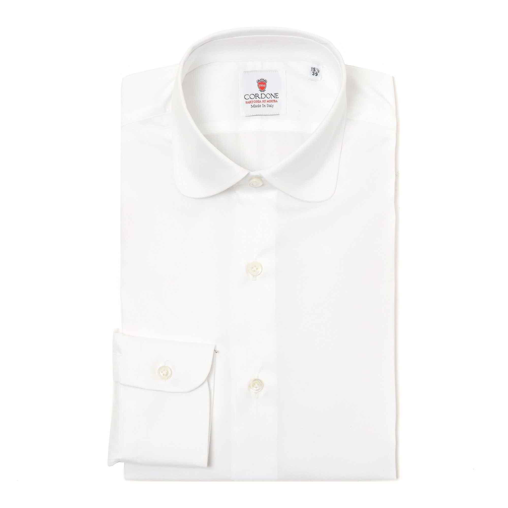 Camisa blanca cuello redondo