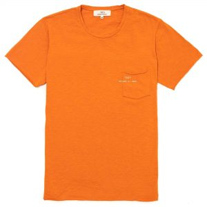 T-shirt manga corta naranja con bolsa y logo impreso en la bolsa