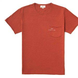 T-shirt manga corta marrón con bolsa y logo impreso en la bolsa