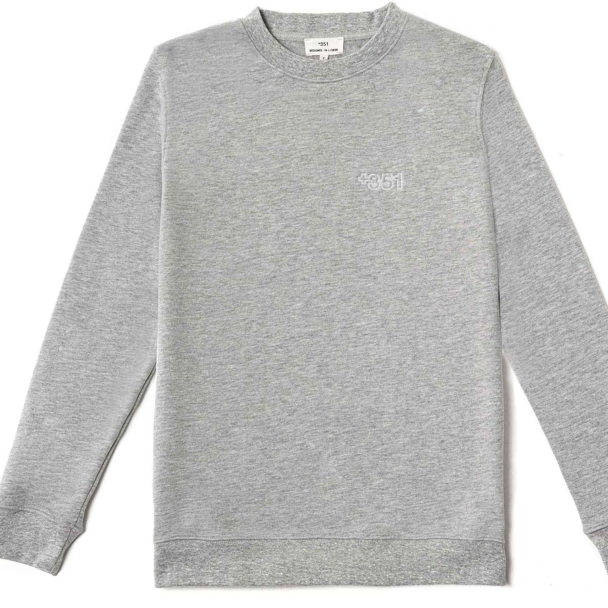 Sudadera gris logo en relieve