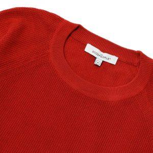 Suéter tejido rojo