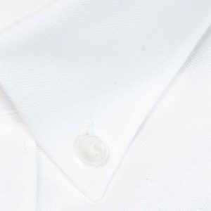 Camisa blanca con logo