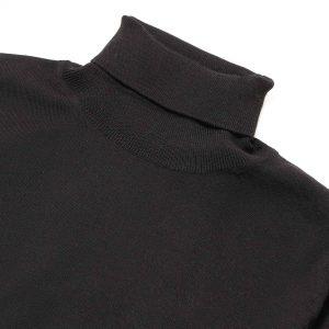 Cuello tortuga negro